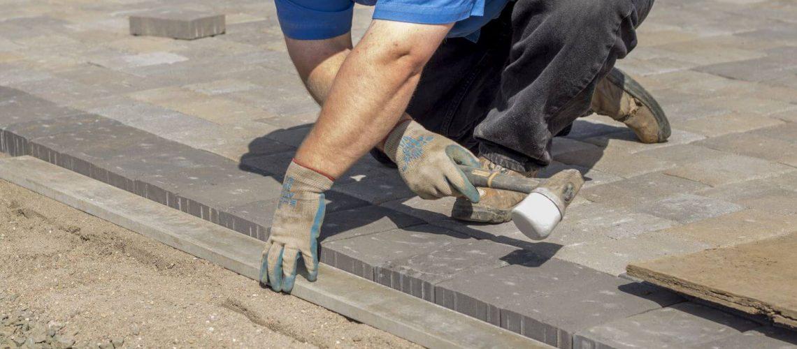 Hiring a Local Outdoor Living Contractor